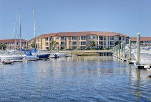 30' Protected Slip for Sale - Wilmington, North Carolina