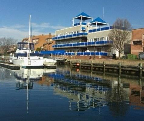 40' boat slip for rent - Anchorage Marina - Baltimore, MD