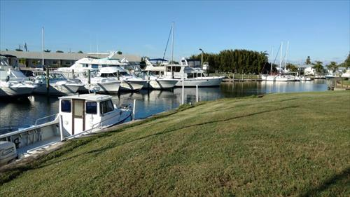24' boat slip for rent - Manatee Pocket - Stuart, FL