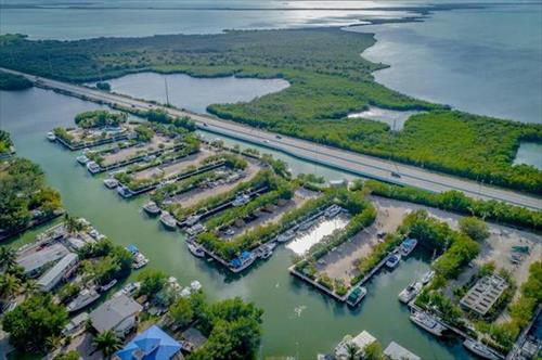 36' boat slip for rent -Manatee Bay Club - Key Largo, FL