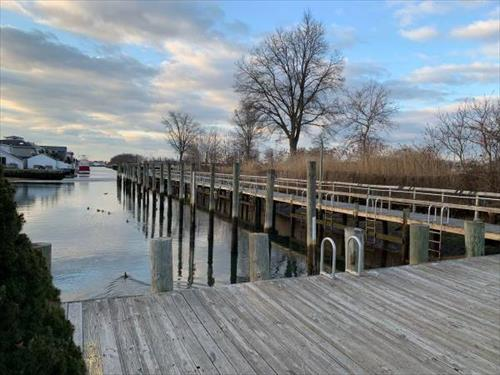 10' Jet Ski Dock Slip for rent - South Bellmore, NY