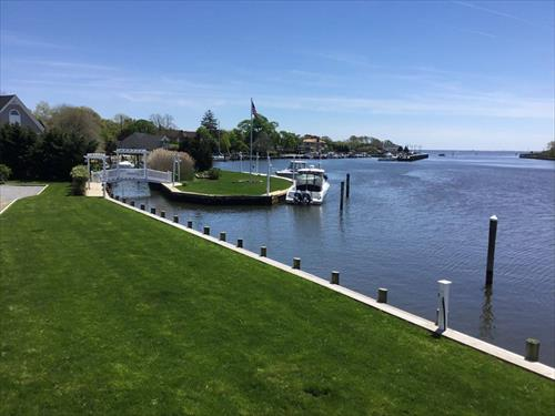 30' boat slip for rent - Private home in Islip, NY