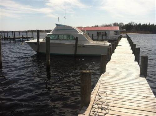 2 slips up to 40' for rent - East Water St - Toms River, NJ