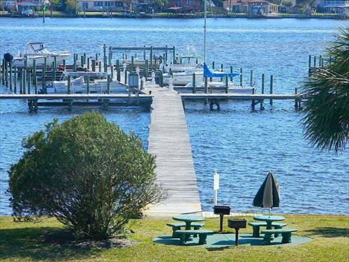 30' boat slip for lease - Fort Walton Beach, FL