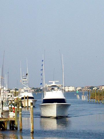 Protected, deep water, full service marina with transient boat slips